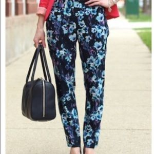 Ann Taylor Floral Blue Pants Size 4 Like New